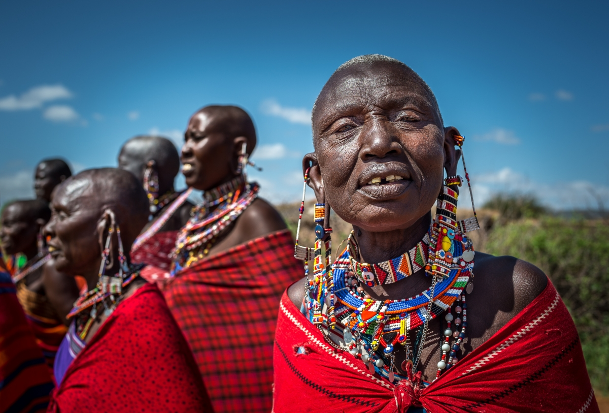 mujeres-tribu-masai-chyulu-hills-kenia