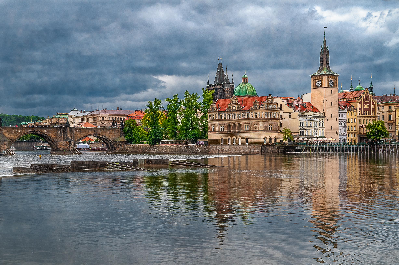 Praga, río Moldava y puente de Carlos